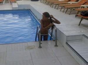 bianca-dragusanu-piscina