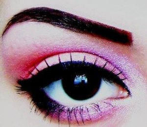 machiaj-roz-ochi-caprui